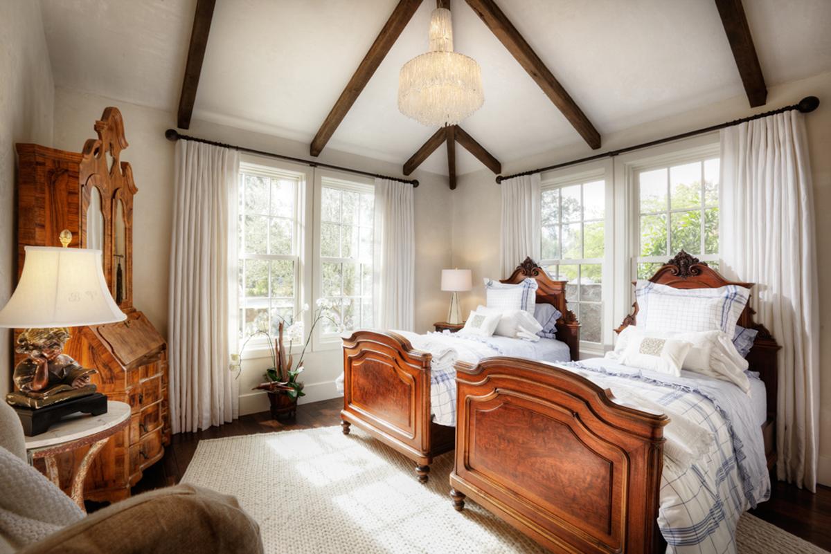 2020 Monroe guest bedroom 1024